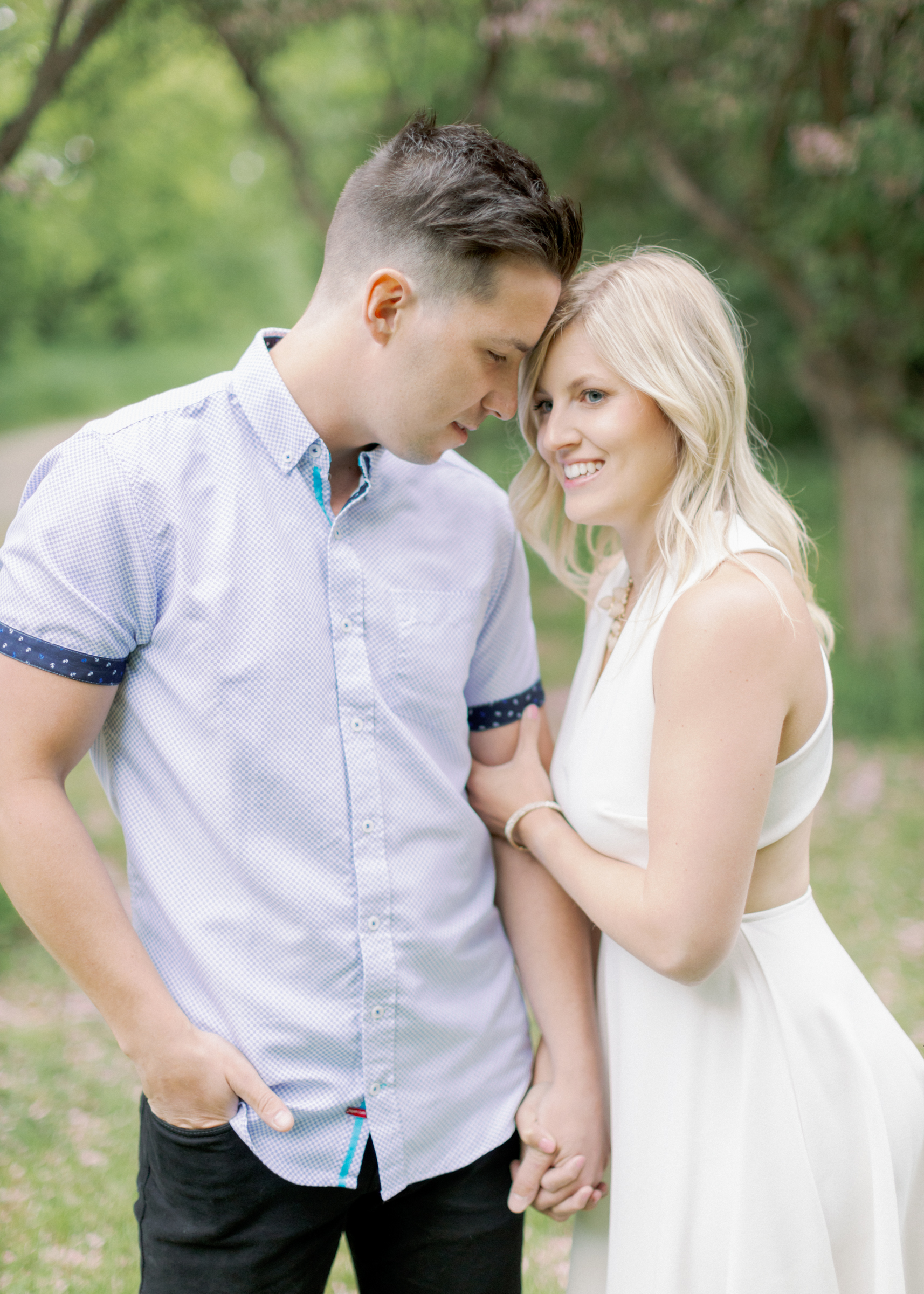 tanner and alyssa head to head during engagement session