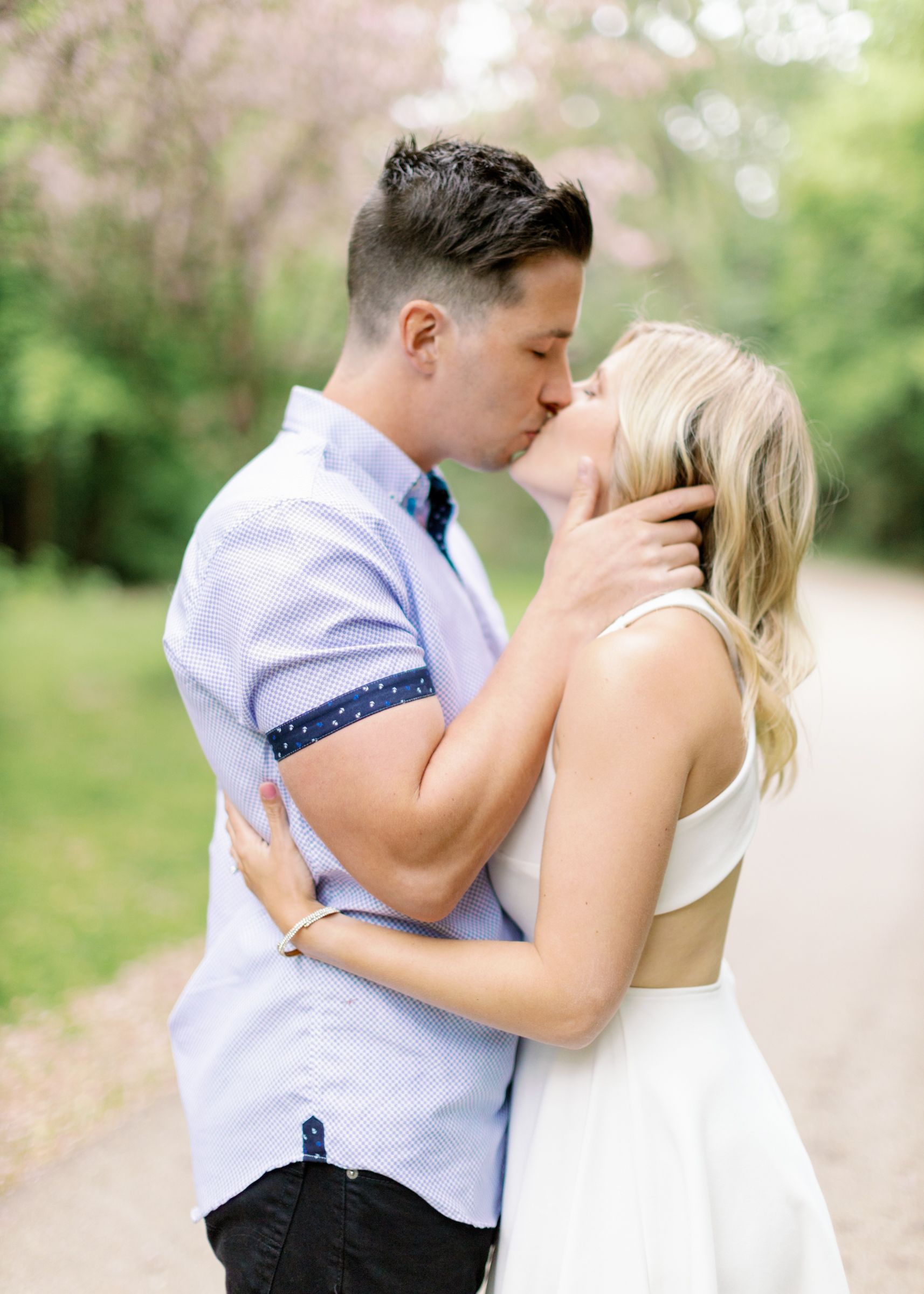 do whatever kiss during engagement session