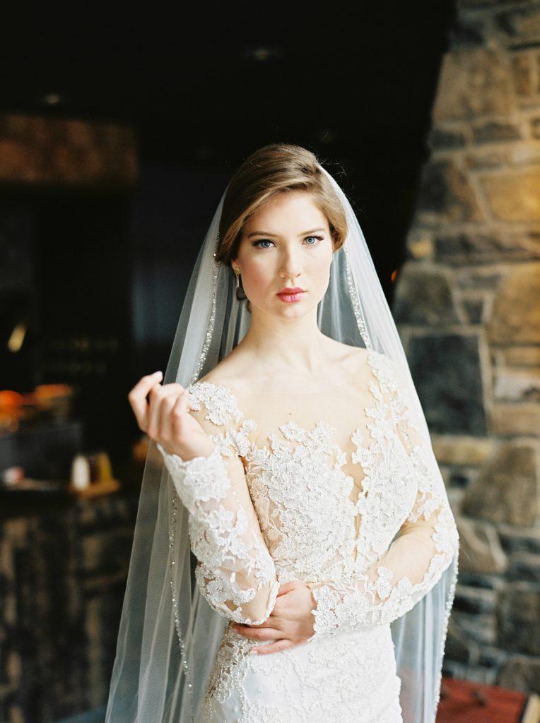 Bride pose 2 - Fine Art Wedding Photographer in Edmonton | Vincent Ybanez Photo