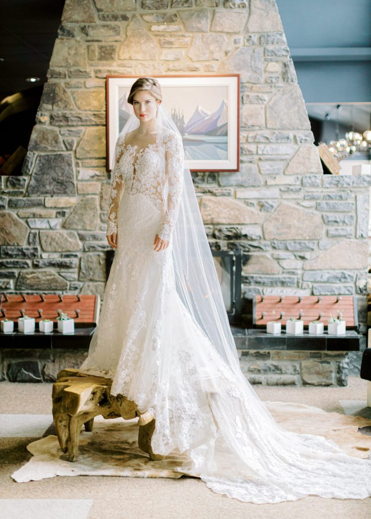 Bride with long veil - Fine Art Wedding Photographer in Edmonton | Vincent Ybanez Photo
