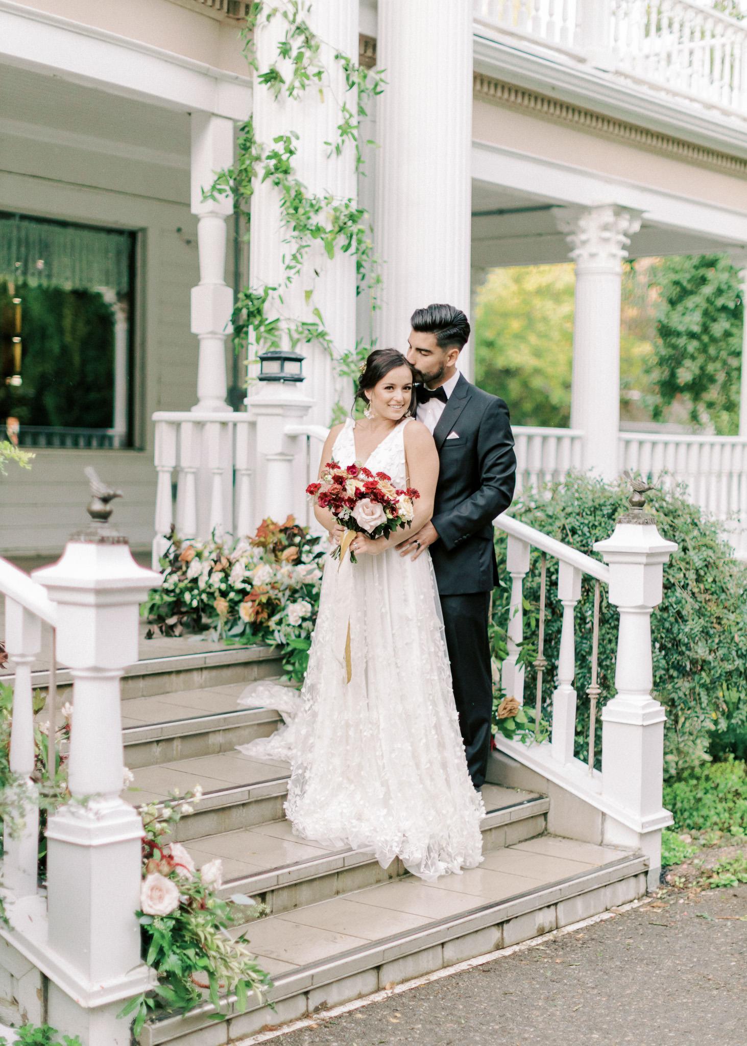 wedding pose taken at Bronte Bride's True-to-Hue Workshop